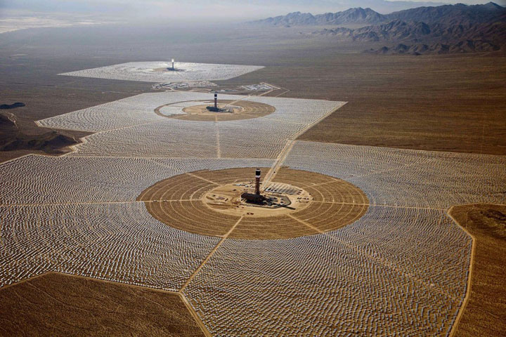 https://i2.wp.com/www.technocrazed.com/wp-content/uploads/2014/02/Ivanpah-Solar-Electric-Generating-System-world-largest-power-plant-17.jpg