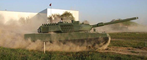 Otokar, ALTAY ana muharebe tankını Efes 2016'da sergiledi
