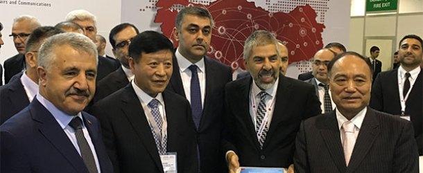 Vodafone, Azerbaycan Bilişim Fuarı'na katıldı