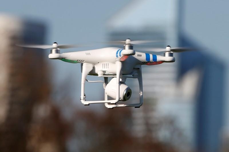 Walmart plans fly drones in it stores to assist you in your shopping