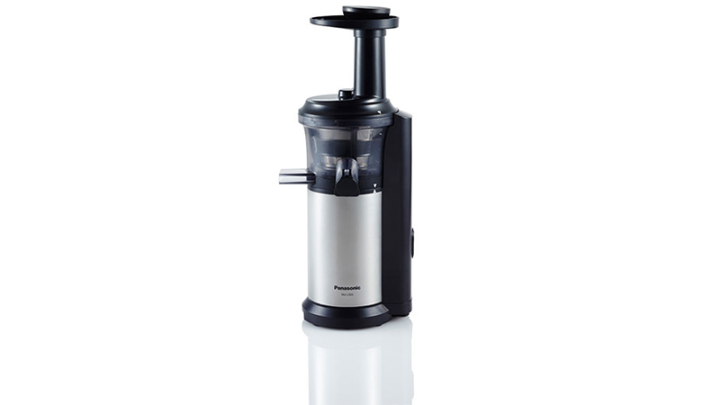 Slow Juicer Panasonic Review : Panasonic MJ-L500 Slow Juicer Review Highly Efficient Juicing But Has Limited Options ...