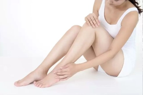 Deal with Keratosis Pilaris 'Strawberry Skin' on Your Legs and Arm