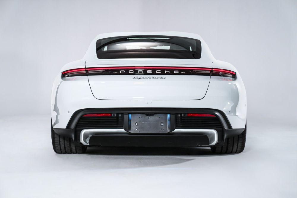 Taycan Porsche en Perú
