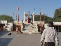 Kodamdesar Temple