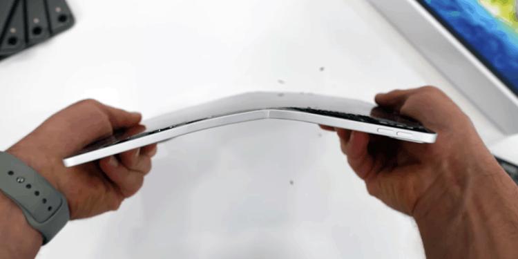 iPad Pro 2020 หักงอ