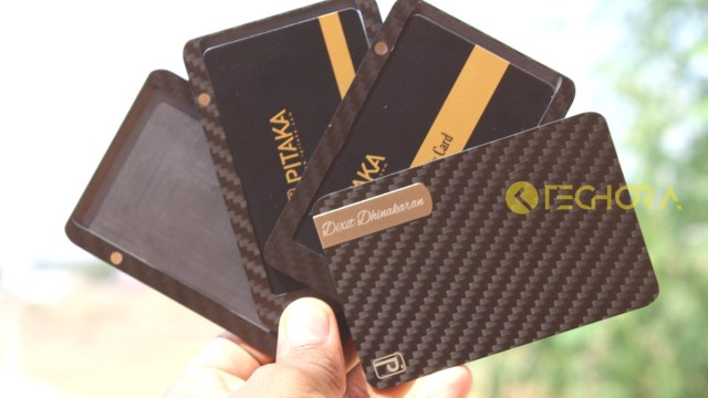 PITAKA Carbon Fiber Wallet Review