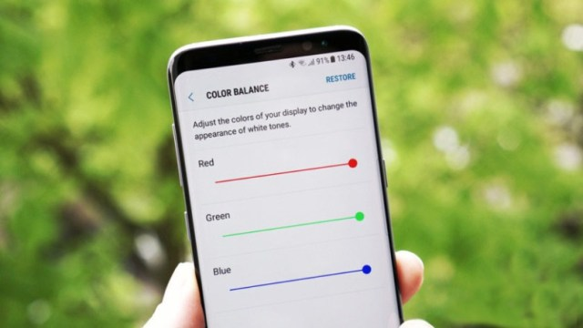 How to fix the Red Display Tint Issue on Samsung Galaxy S8?