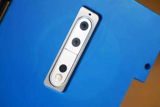 "Real Life Image of Nokia 9 Shows dual camera, 5.3"" QHD display, Snapdragon 835"