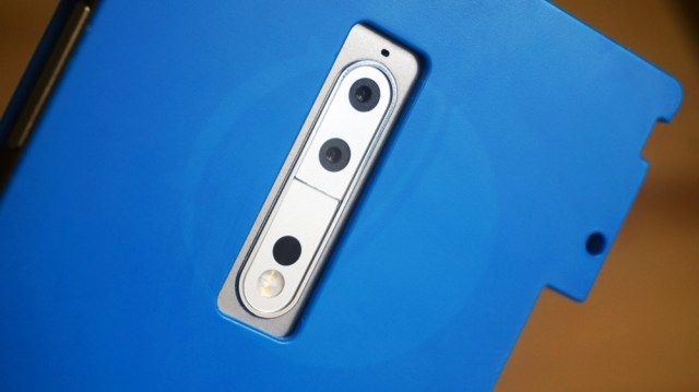 Real Life Image of Nokia 9 Shows dual camera, 5.3