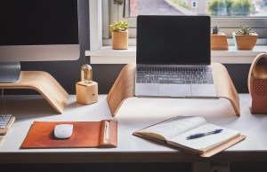The Top 9 Benefits of Using a Laptop Stand