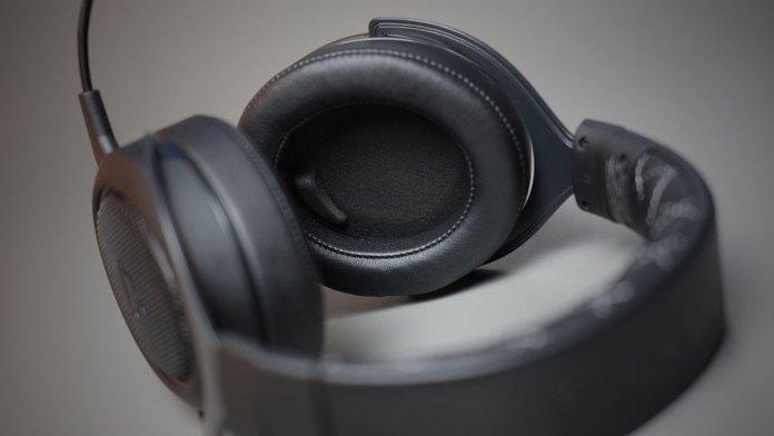 Corsair HS70 SE Wireless Gaming Headset (4)