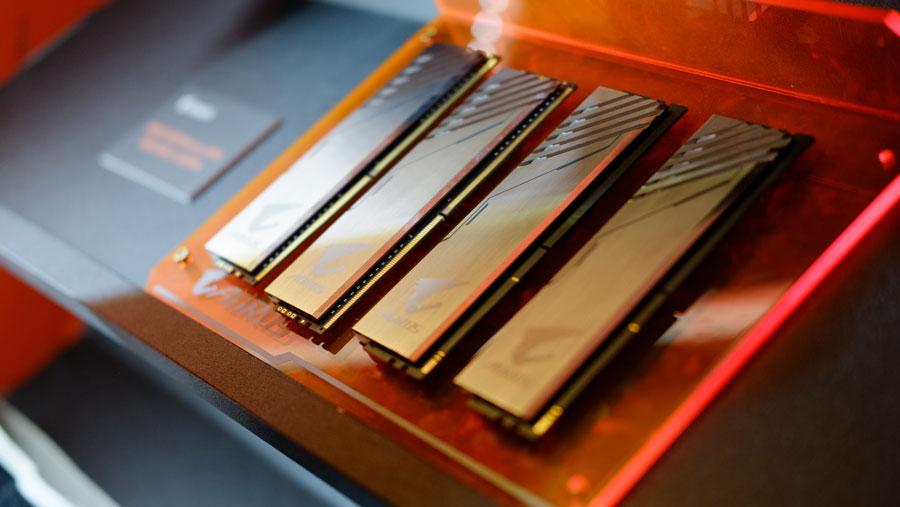 GIGABYTE AORUS RGB DDR4 PR (2)