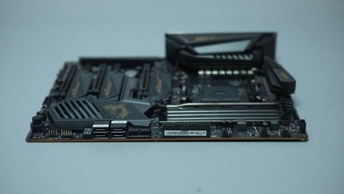 MSI MEG X570 Ace Review (4)