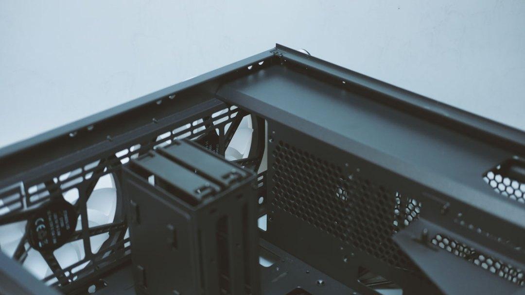 Xigmatek Zest Tempered Glass RGB Case (10)