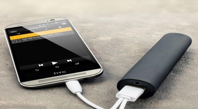 Powerbank charging mobile