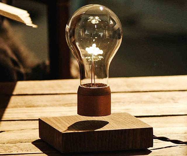 Levitating lightbulb