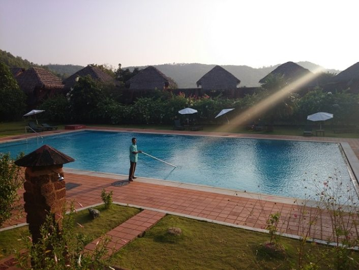 Pool cleaner above ground for intex
