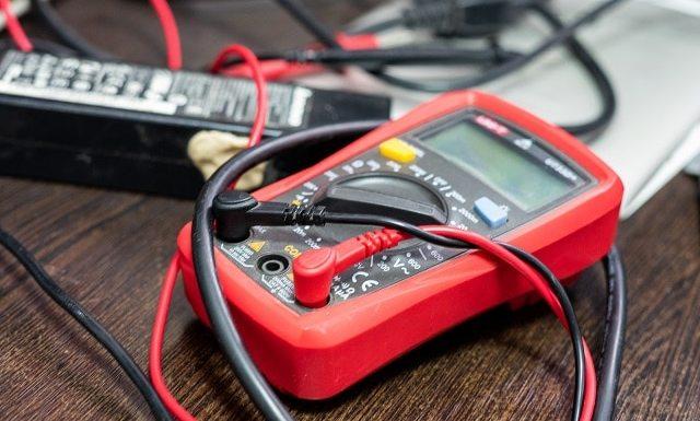 Multimeter for resistance measurement