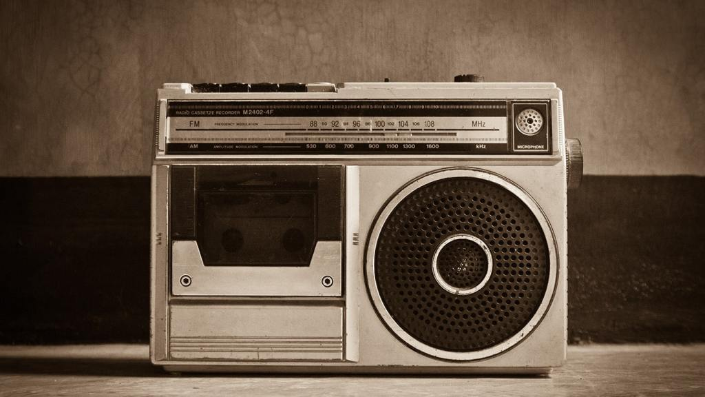 Advantages and Disadvantages of Radio