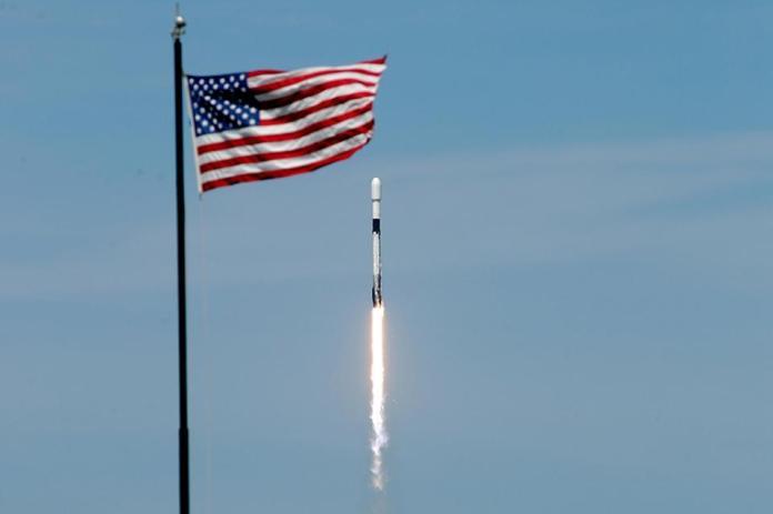 spacex-american-flag-2020-AP