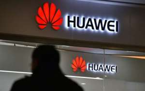 Facebook has stooped Huawei the pre-installation of their apps on its Smartphones