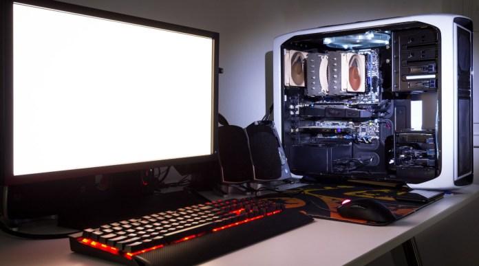 Gaming PC Monitor Keyboard Mouse