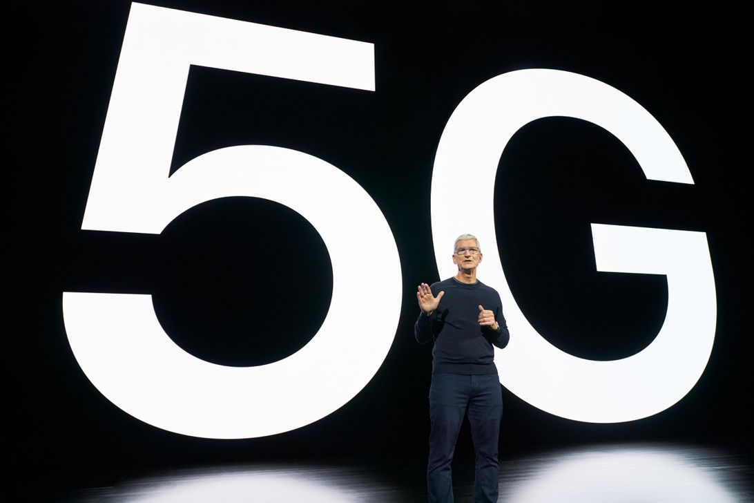Tim Cook Apple 5G