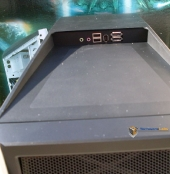 INWIN X-Fighter I/O ports on top