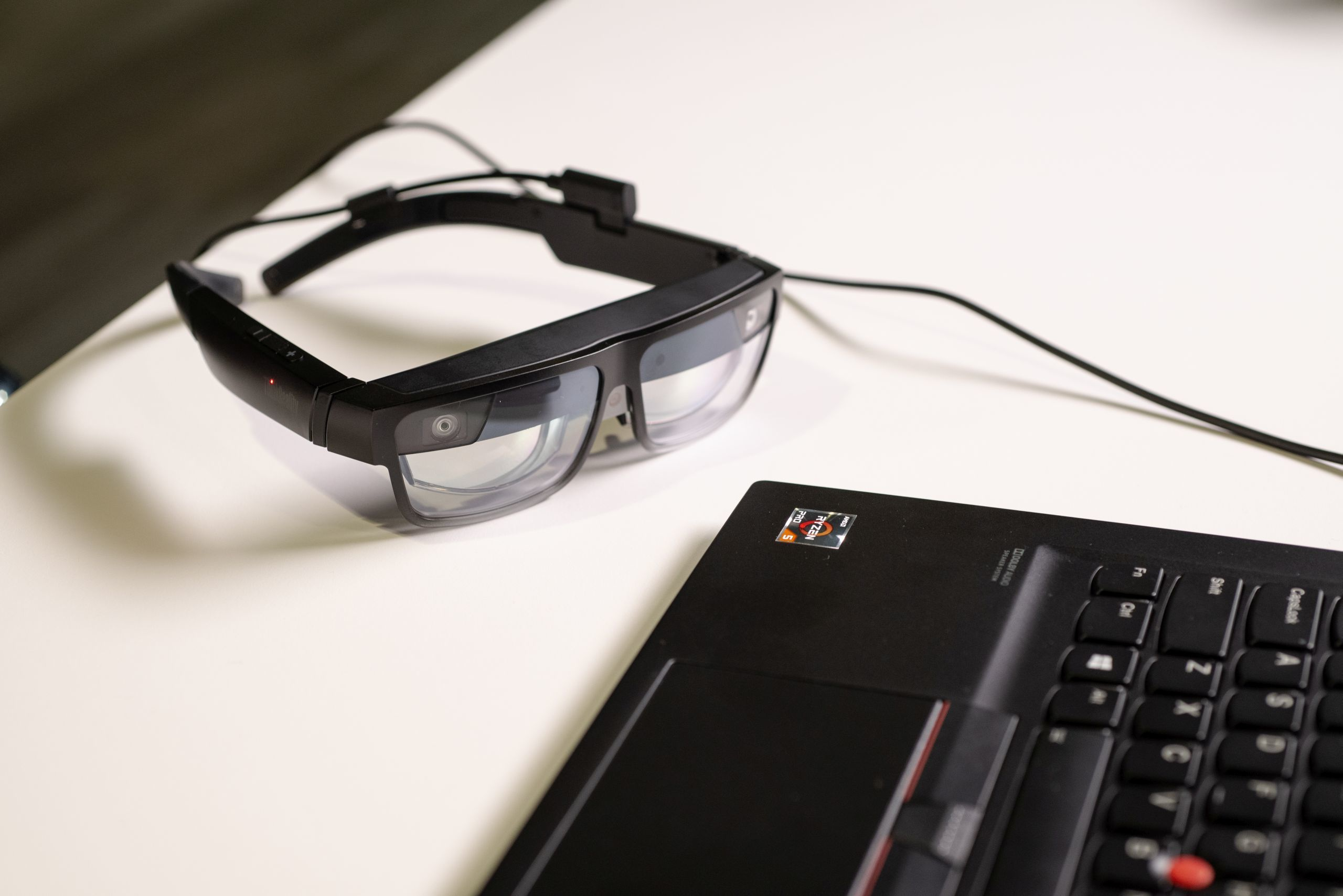 Lenovo AR glasses to display five virtual monitors
