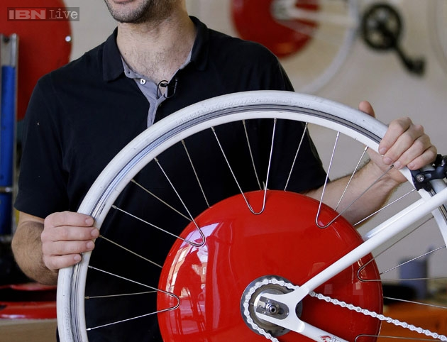 The Future Is Here The Copenhagen Wheel Turns Bicycle Into Hybrid