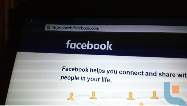 facebook for web has a new UR