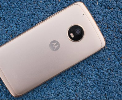 Motorola-starts-rolling-out-Moto-G5-and-G5-Plus-Android-8.0-Oreo-update