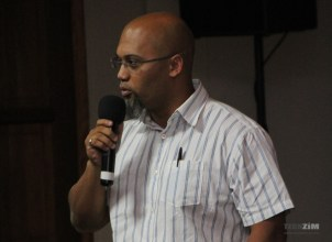 IConnet Zambia's Winston Ritson, giving his talk at the Broadband Forum