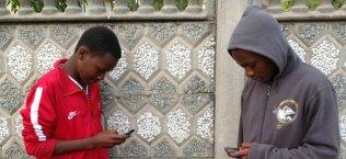 Students-on-Phones