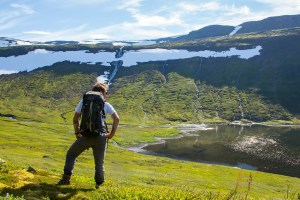 adventure sailing and hiking in the arctic