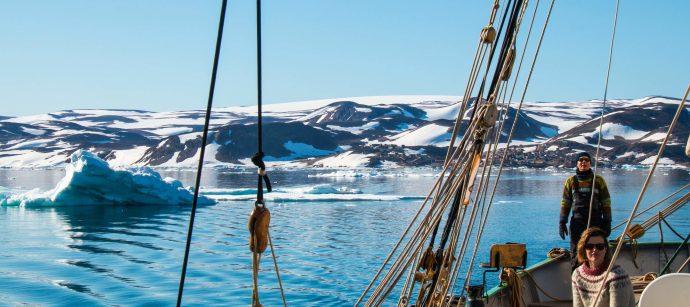 Tecla heading into the Scoresbysund