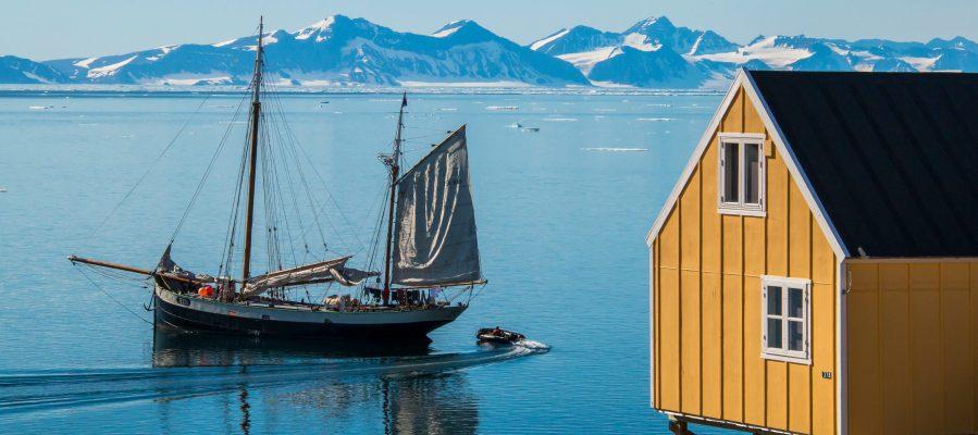 Tecla anchored at Ittoqqortoormiit