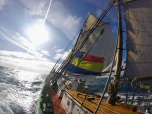 Tecla under full sail - go pro style