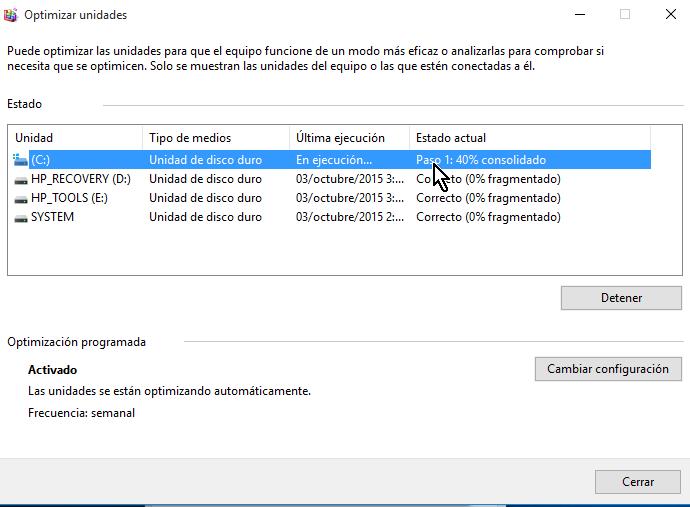 Progreso del proceso de desfragmentación por paso y porcentaje en cómo desfragmentar un disco en Windows 10