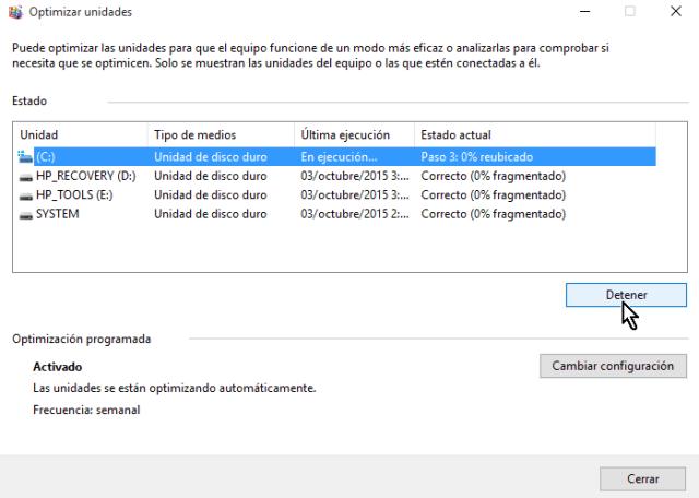 Botón Detener para parar la desfragmentación en cómo desfragmentar un disco en Windows 10