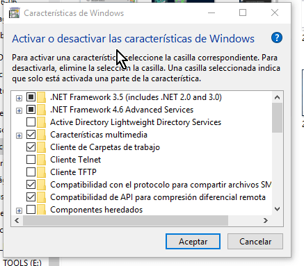 Lista de las características de Windows en cómo habilitar VirtualBox 64 bits en Windows 10