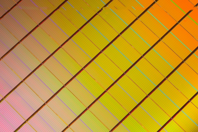 3D_XPoint_Wafer_Close-Up - copia