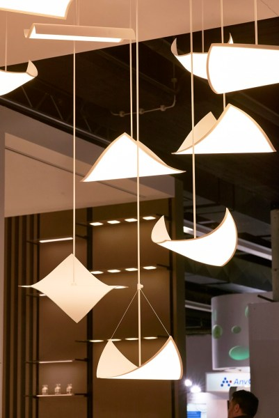 Flexible OLED light panel installation (Center Piece)