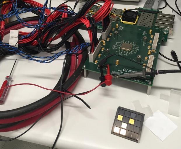 52698_04_1000-core-processor-arrives-cpu-cores-run-1-78ghz