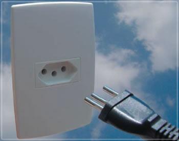 Tomada elétrica padrão 3 pinos. NBR 14136:2002