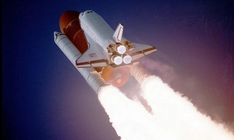 descubre cómo funcionan los cohetes