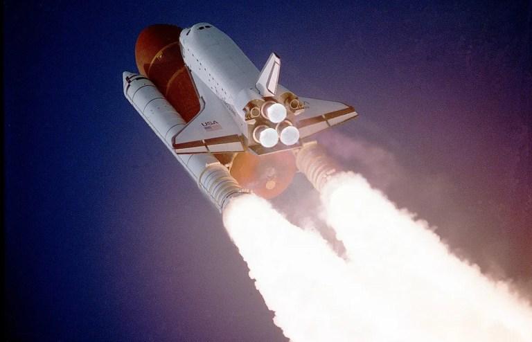 China prepara un gran cohete para llevar astronautas a la Luna