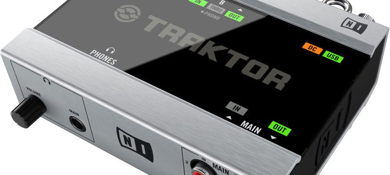 Native-Instruments-Traktor-Audio-6