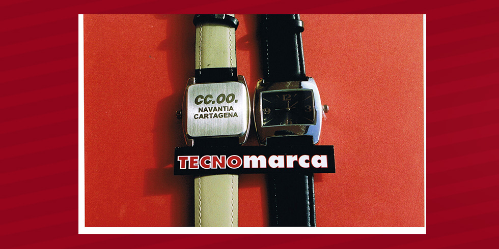 grabado láser relojes Comisiones Obreras en Navantia