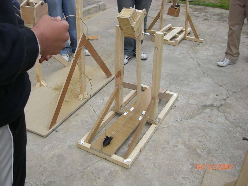 Catapultas trebuchet en pruebas